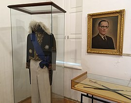 Jovan Dučić's diplomatic uniform.jpg