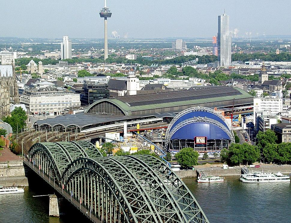 K%C3%B6lner Hauptbahnhof - Hohenzollernbr%C3%BCcke - Musical Dome