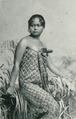 KITLV - 80259 - Kleingrothe, C.J. - Medan - Javanese woman, presumably at the east coast of Sumatra - 1898.tif