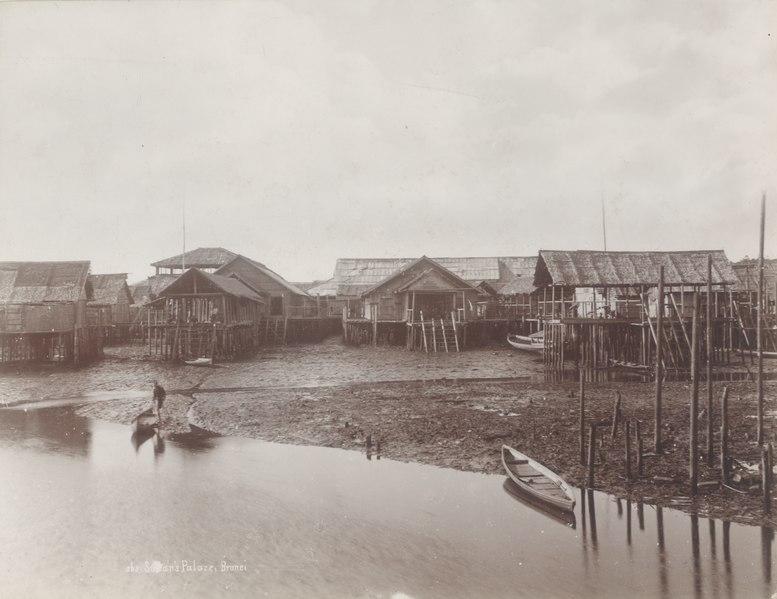 File:KITLV - 91762 - Lambert & Co., G.R. - Singapore - Palace of the Sultan of Brunei - circa 1890.tif