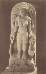 KITLV 87688 - Isidore van Kinsbergen - Sculpture of Durga from the Dijeng plateau - Before 1900.tif