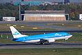 KLM Boeing 737-300; PH-BTE@TXL;18.10.2010 588bf (5095111924).jpg