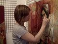 Karin Barrera pintando.jpg