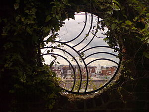 Kensington Roof Gardens - Image: Kensington roof gardens window