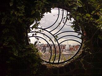 Kensington Roof Gardens - Image: Kensington roof gardens window