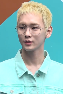 Key at Seoul Fashion Week 2018 04.png
