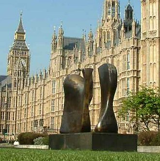 Knife Edge Two Piece 1962–65 - The second cast of Knife Edge Two Piece in 2004, with the Palace of Westminster in the background.