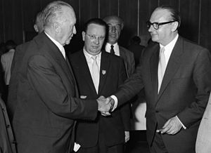 Heinrich von Brentano - Brentano (r.) with Adenauer at a 1957 CDU party conference