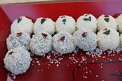 240px-Korean_rice_cake-Gyeongdan_on_a_red_wooden_plate-01.jpg