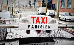 Lumineux De Taxi Parisien Avec Les 3 Globes A B Et C