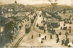 Trams in Istanbul - Trams on the new Galata Bridge (c.1912).