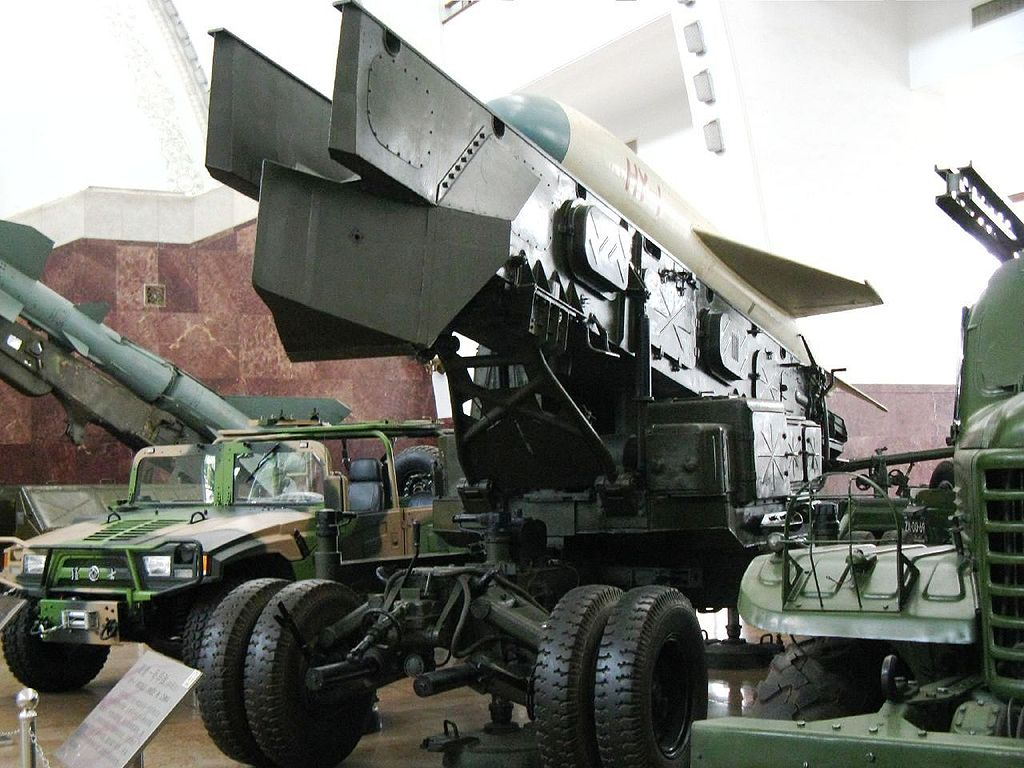 File:Launch vehicle, inside the Beijing military museum ...