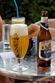 Lav pivo in glass-Cenej-july2006