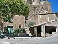 Lavoir et fontaine de Puyméras.JPG