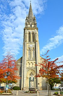 Le Loroux-Bottereau - Eglise Saint Jean-Baptiste (clocher).jpg