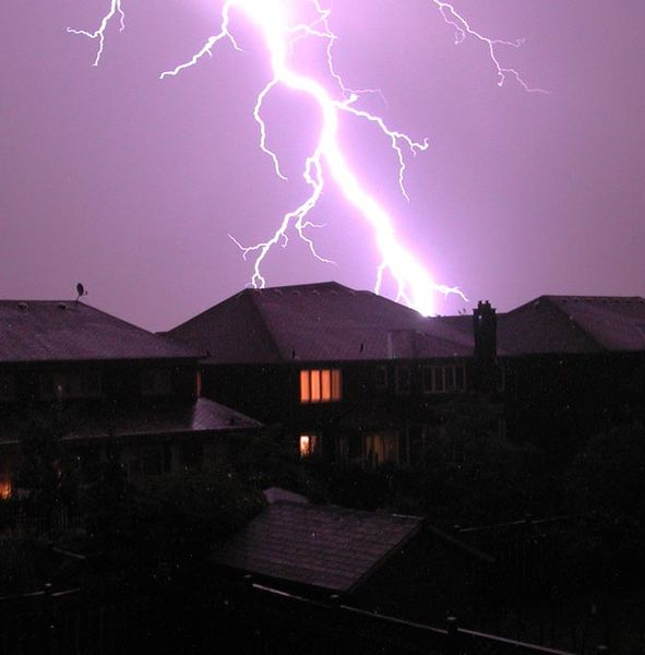 Munje i gromovi 591px-LightningToronto