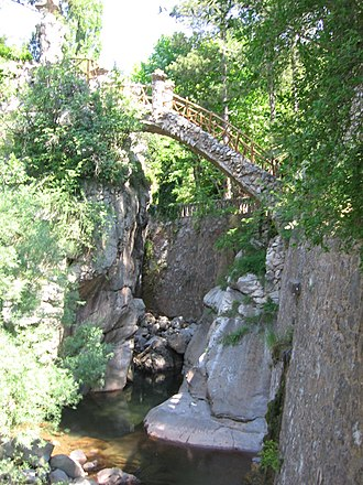 Artigas Gardens - A bridge in the garden, which Gaudí designed as thanks to a friend