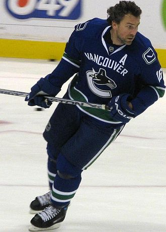 Trevor Linden - Linden warming up with Vancouver during his final NHL season