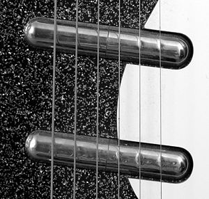 Lipstick pickup - Lipstick-tube pickups on a Danelectro electric guitar