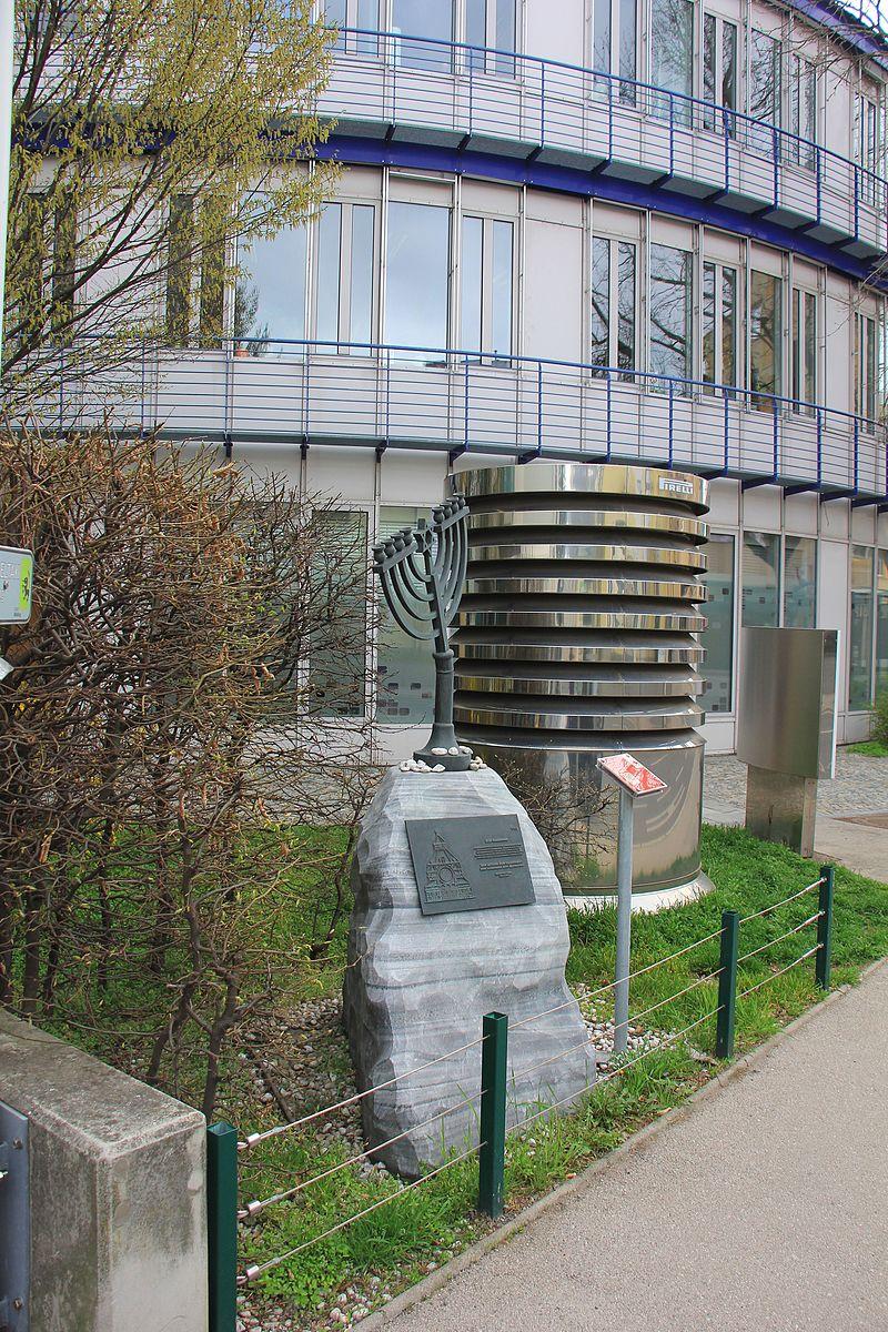 Mödling-Synagoge 3009.JPG
