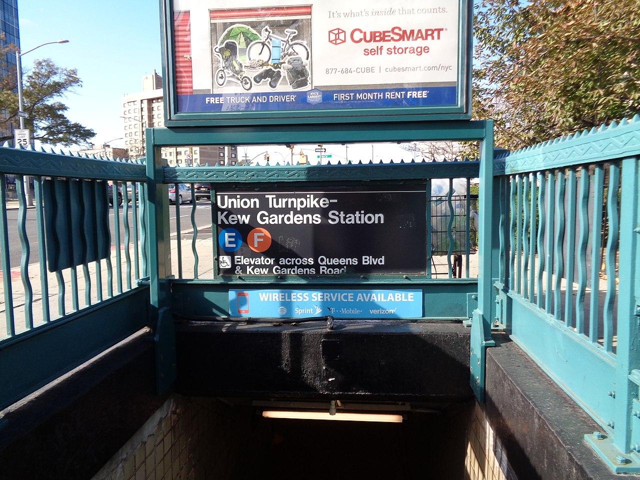 Kew Gardens Union Turnpike Subway Stop