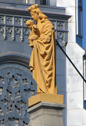 Notre-Dame Cathedral Basilica (Ottawa) - Image: Madonna, statue, Ottawa