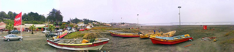 Main beach-pichilemu-2010eq.jpg