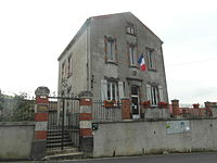 Mairie de Saint-Yvoine (63).jpg