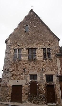 Maison du chapitre saint julien du sault wikimonde for Maison du monde wikipedia