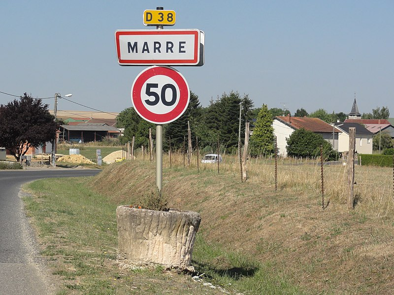 Marre (Meuse) city limit sign