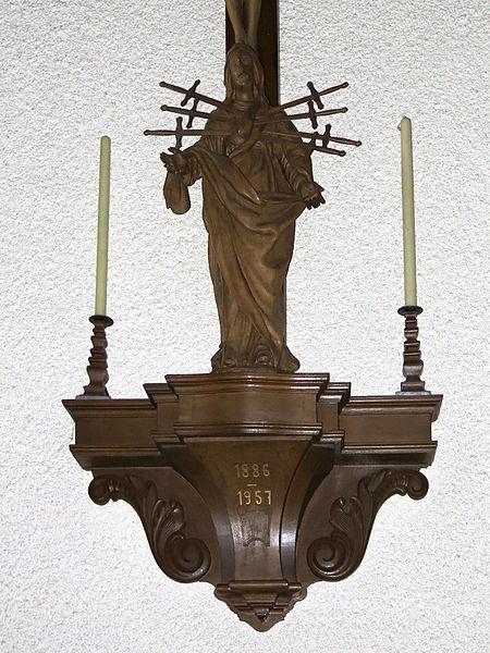 D'Statu vun der Mater Dolorosa an der Nikloskierch zu Housen.