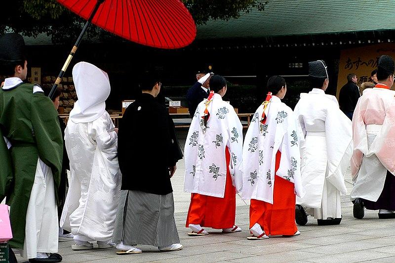 Meiji-jingu wedding procession - P1000847.jpg
