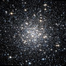 Description de l'image  Messier 56 Hubble WikiSky.jpg.
