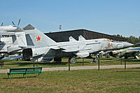 Mikoyan MiG-25PD Foxbat-E 04 red (10044659614).jpg
