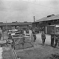 Militairen in het kamp, Bestanddeelnr 900-3383.jpg