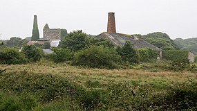 Mining remains at Wheal Busy - geograph.org.uk - 588831.jpg