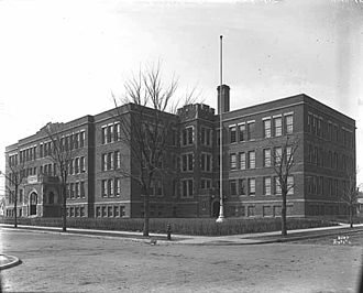 North Community High School - Image: Minneapolis North High School 1915
