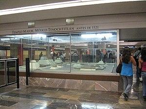 Metro Zócalo - Image: Modelpre 1521Metro Zoc