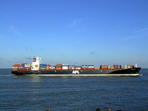 Mol Vision p7 approaching Port of Rotterdam, Holland 25-Jan-2007.jpg