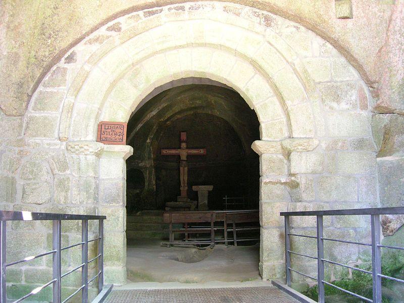 Ficheiro:Mosteiro de San Pedro de Rocas, Esgos, Galiza 4.jpg - Wikipedia, a e...