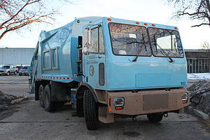 Electric truck - The 1st all-electric refuse truck in the United States built for the City of Chicago