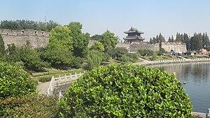 Jingzhou - Jingzhou old city wall.