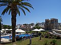 Muralhas, jardins e piscina da Pousada de Tavira.jpg