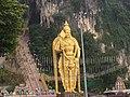Murugan statue Batu Caves 01.jpg