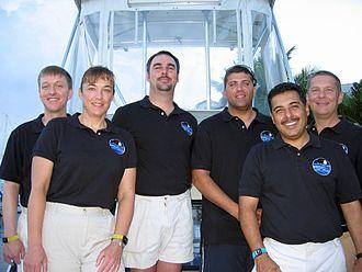 Heidemarie Stefanyshyn-Piper - The NEEMO 12 crew.  L-R:  Josef Schmid, Stefanyshyn-Piper, James Talacek, Dominic Landucci, José Hernández and Timothy J. Broderick.