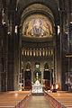 Navata centrale Saint Nicholas Cathedral.jpg
