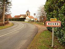 Neure-FR-03-entrée du village-1.jpg