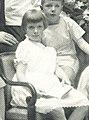 Nicola Perscheid - Gustav Krupp von Bohlen und Halbach und Familie 1928 - Waldtraut Krupp (cropped).jpg