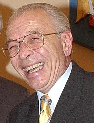 Prime Minister of Romania - Image: Nicolae Văcăroiu (cropped)