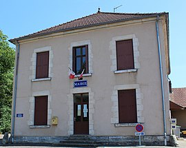 The town hall in Noiron